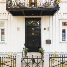 """Haustür Art und Ausführung nach Vorbild """"Downing Street 10"""""""